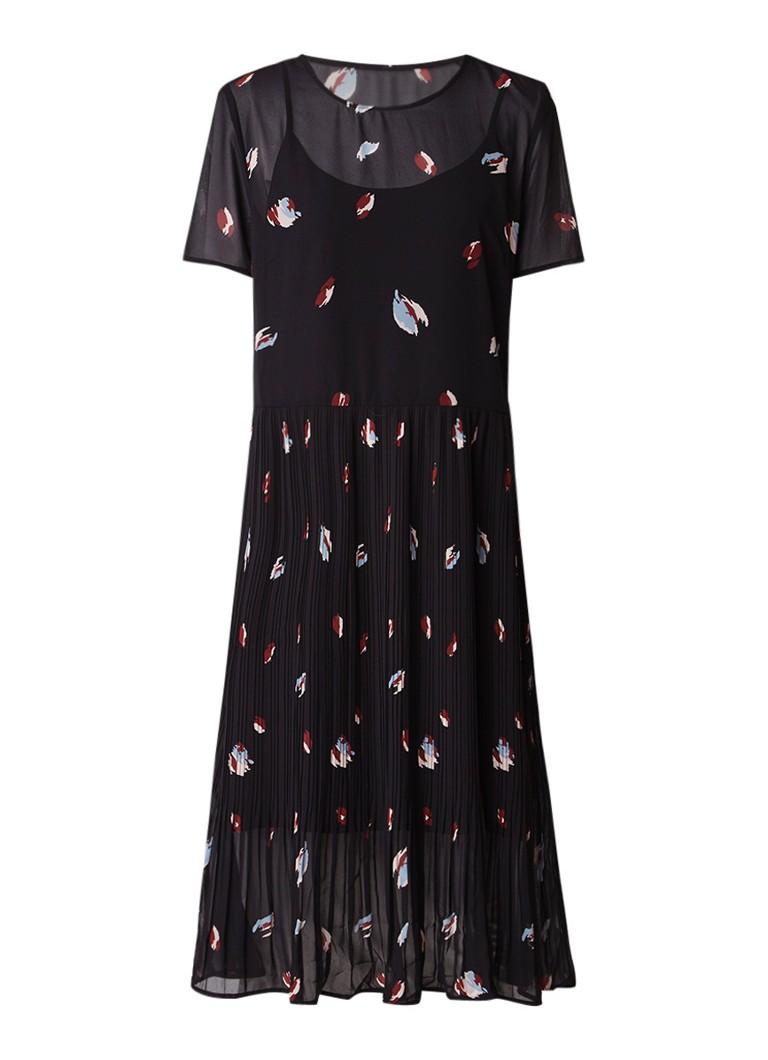 Selected Femme Fiffa losvallende jurk met plissé en onderjurk zwart