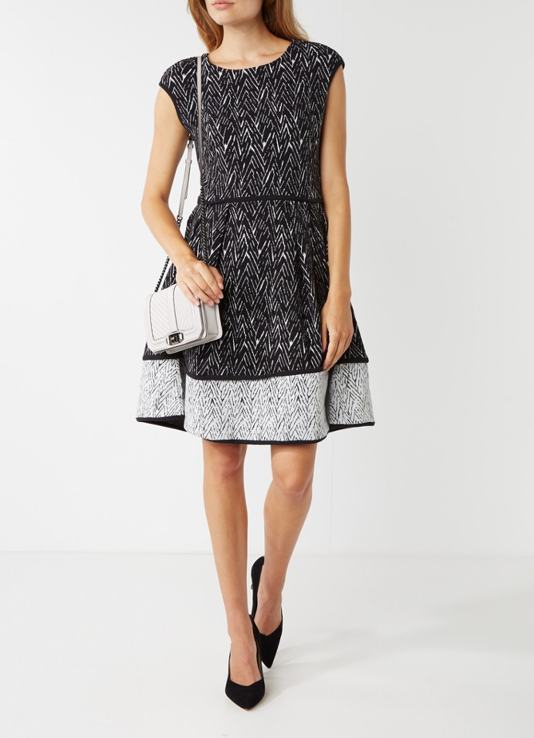 Hugo Boss Nikena A-lijn jurk met zigzagdessin zwart