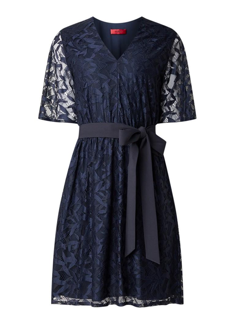Hugo Boss Kabela mini-jurk van kant met strikceintuur donkerblauw