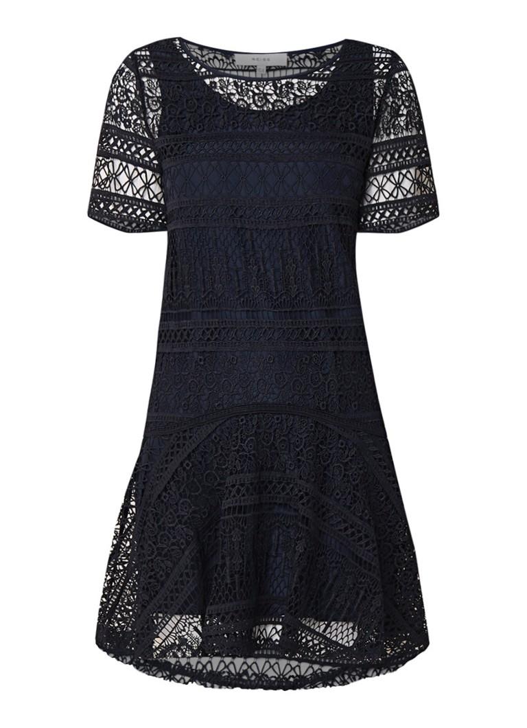 Reiss Linda losvallende jurk van kant met onderjurk donkerblauw