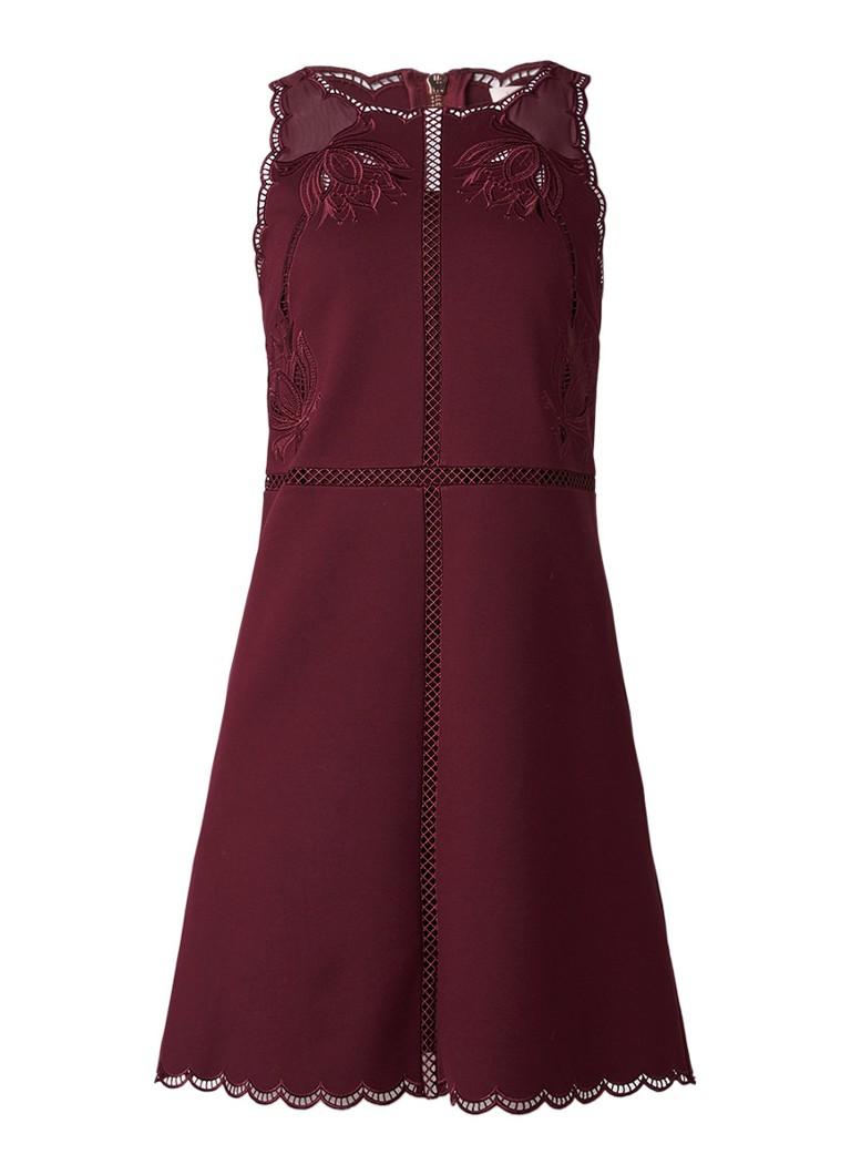 Ted Baker Codi jurk met borduring en geschulpte details bordeauxrood