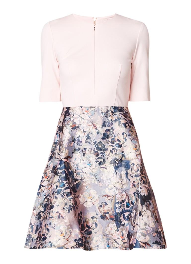 Ted Baker Amarlia A-lijn jurk met bloemendessin roze