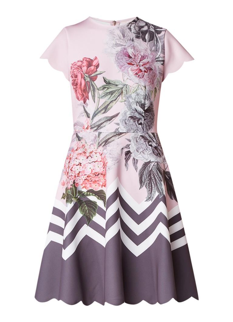 Ted Baker Palace Gardens A-lijn jurk met geschulpte mouw en bloemendessin lichtroze