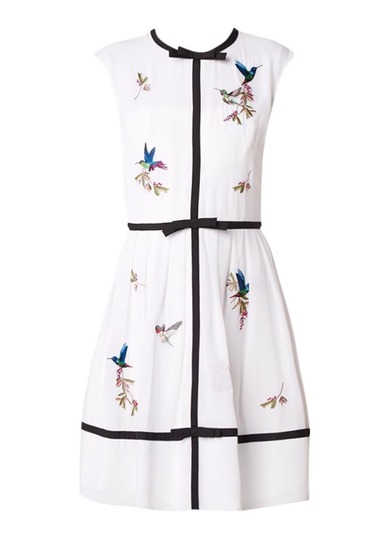 Ted Baker Iina A-lijn jurk met contrastbies en borduringen wit