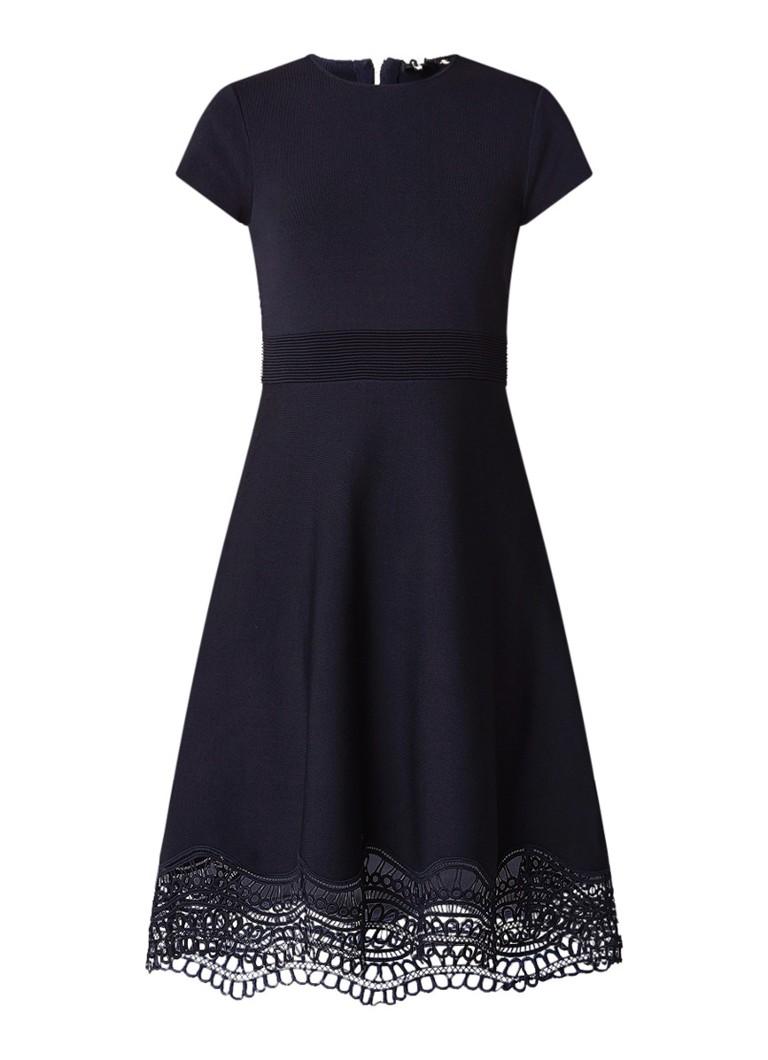 Ted Baker Ellijo A-lijn jurk met broderie detail donkerblauw