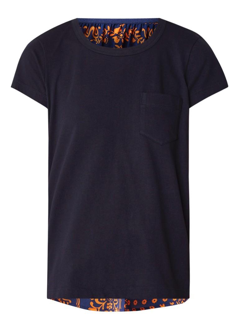 Sacai T-shirt met contrast en bloemendessin