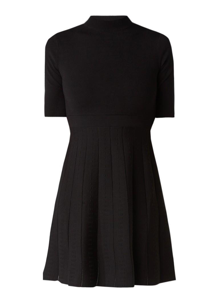 MO&Co. A-lijn jurk met plissé en structuur zwart