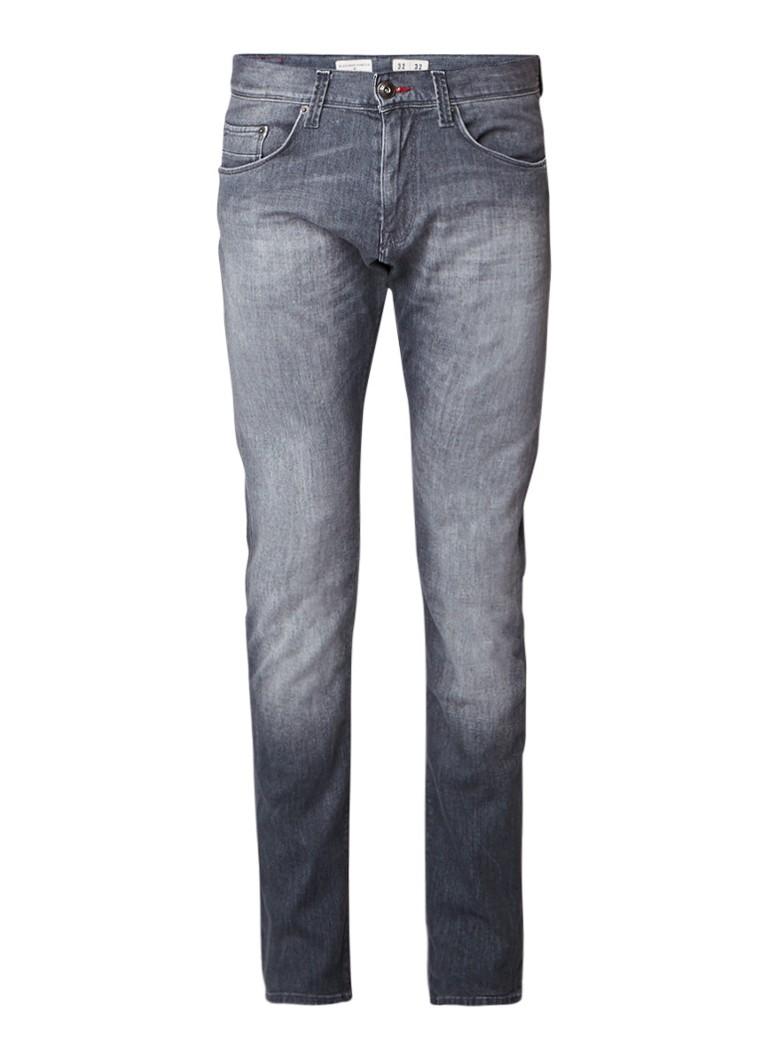 Tommy Hilfiger Bleecker mid rise slim fit jeans met faded look