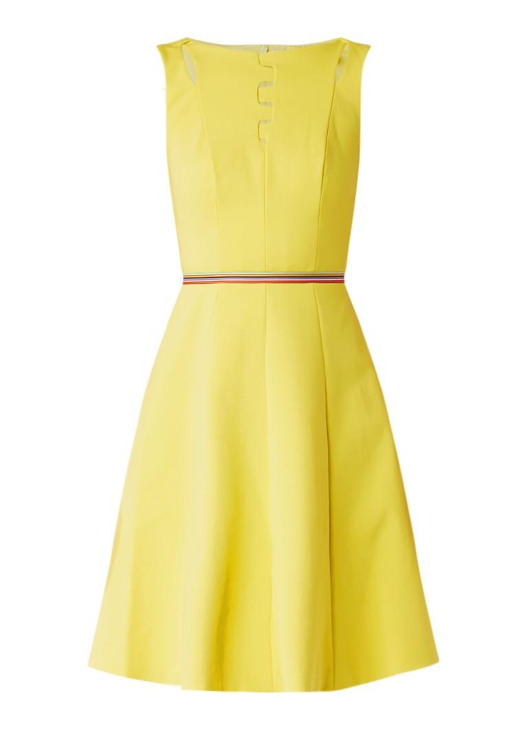 Karen Millen A-lijn jurk met cut-outs en gestreept ceintuur geel