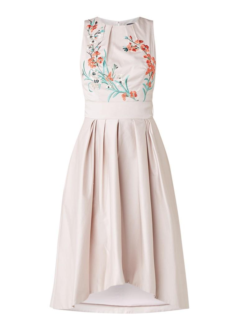 Karen Millen A-lijn jurk met bloemborduring en rugdecolleté oudroze
