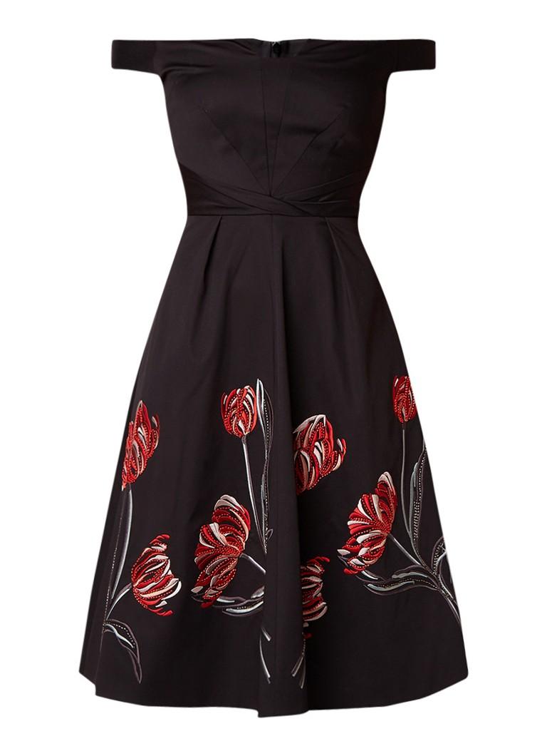 Karen Millen Off shoulder A-lijn jurk met bloemboduring en kralendecoratie zwart