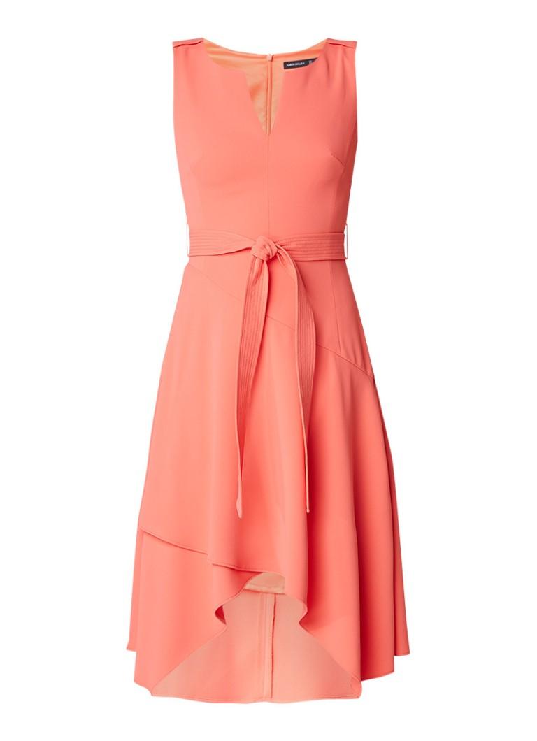 Karen Millen A-lijn jurk met volant en strikceintuur koraalrood
