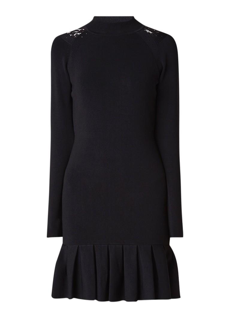 Karen Millen Fijngebreide fitted jurk met geplisseerde zoom zwart
