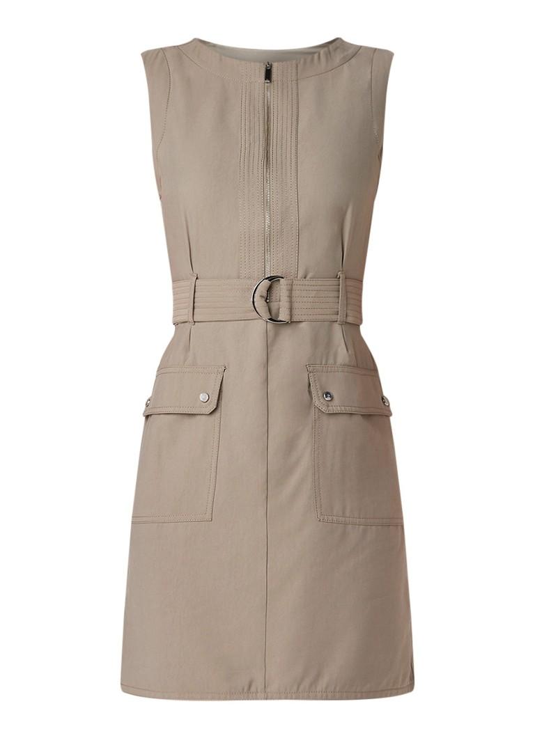 Karen Millen Mouwloze jurk met army look en strikceintuur grijs