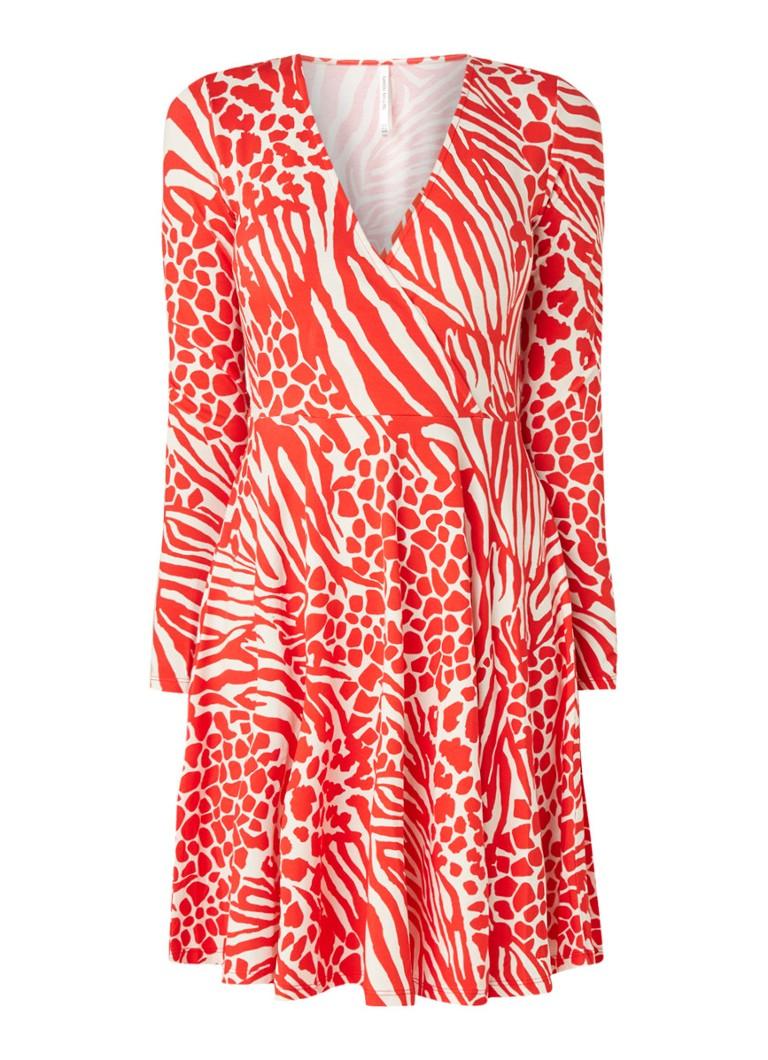 Karen Millen Wikkeljurk van jersey met luipaarddessin rood