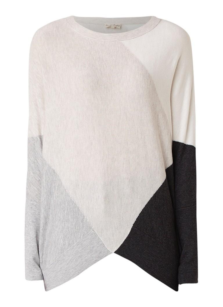 Phase Eight Charlize pullover met vleermuismouw en colour blocking