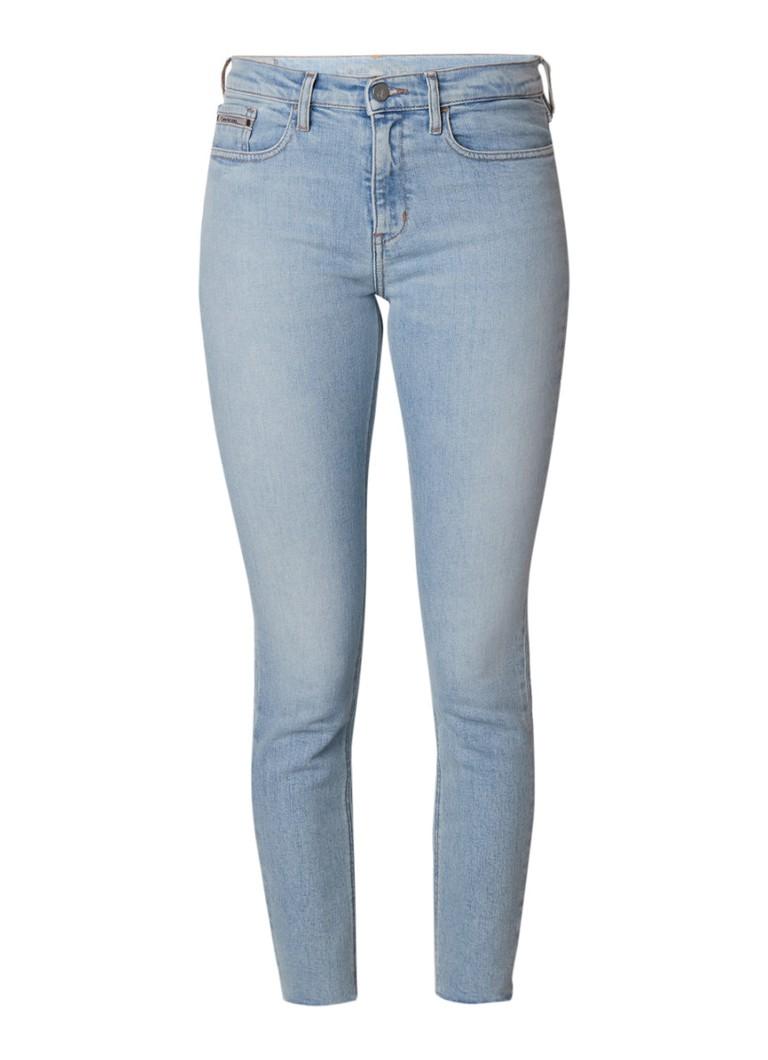 Calvin Klein Raw high rise ankle cropped skinny jeans met gerafelde zoom