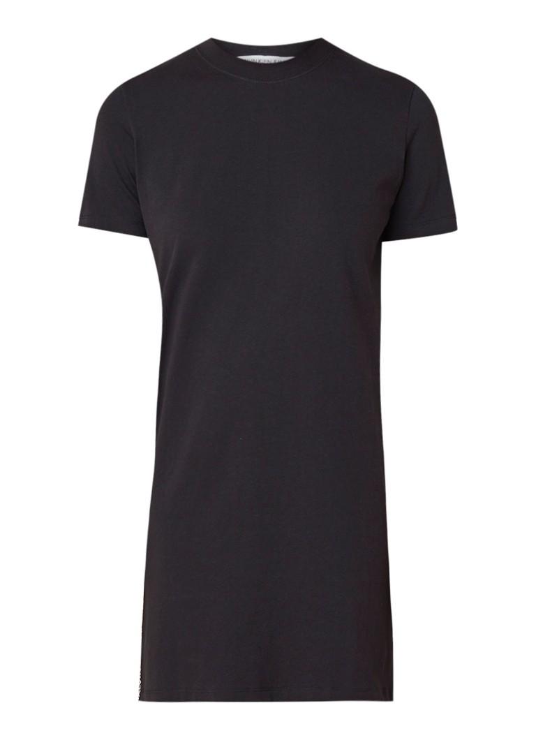 Calvin Klein T-shirt jurk van katoen met logobies zwart