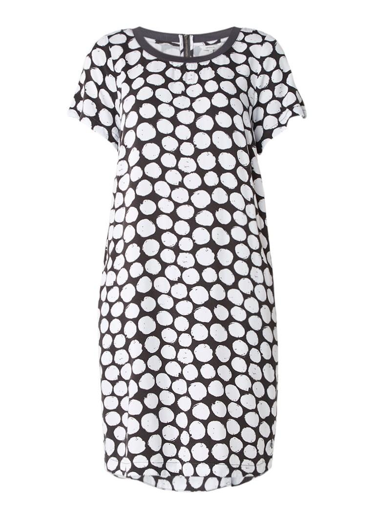 Sandwich T-shirt jurk met gestipt dessin en steekzakken wit