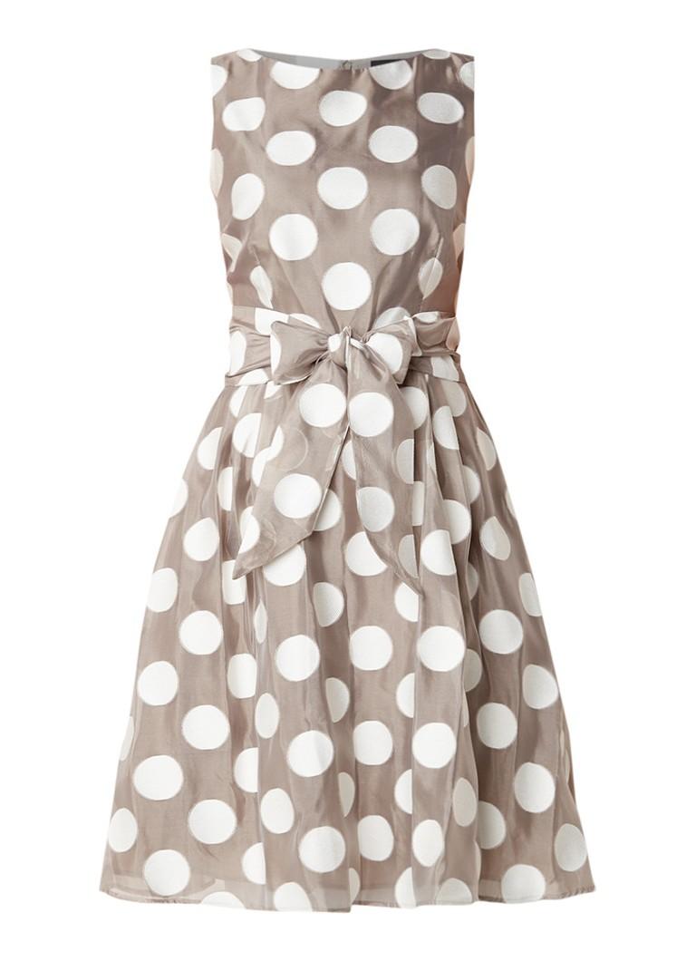 Phase Eight Hayley A-lijn jurk met stippendessin en strikceintuur grijs