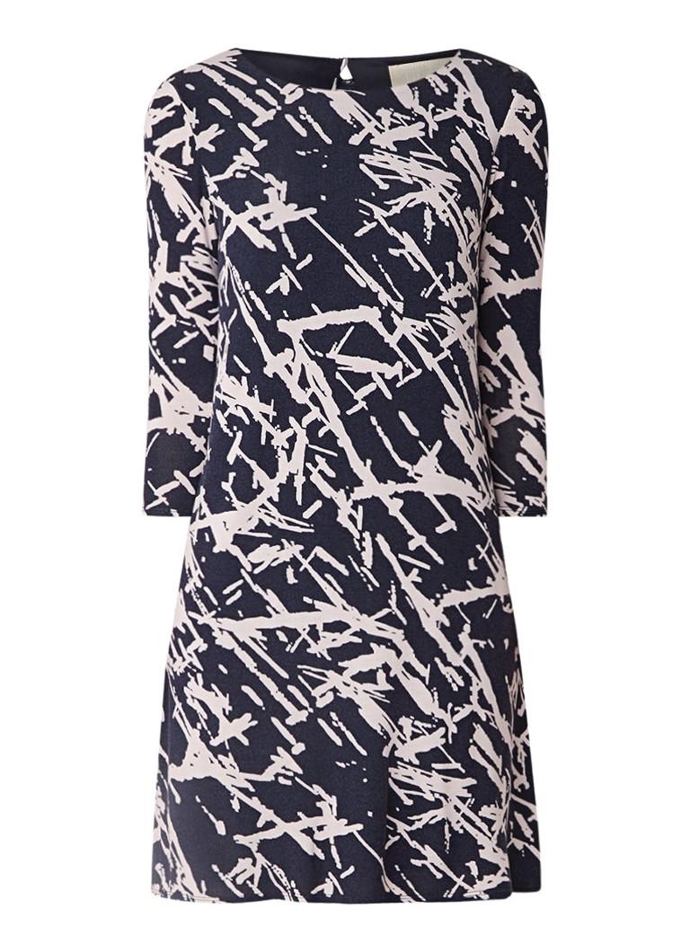 Phase Eight Bora fijngebreide jurk met abstract dessin donkerblauw