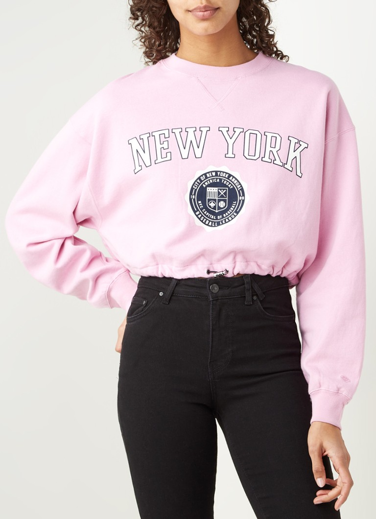 America Today - Sarah cropped sweater met frontprint - Roze