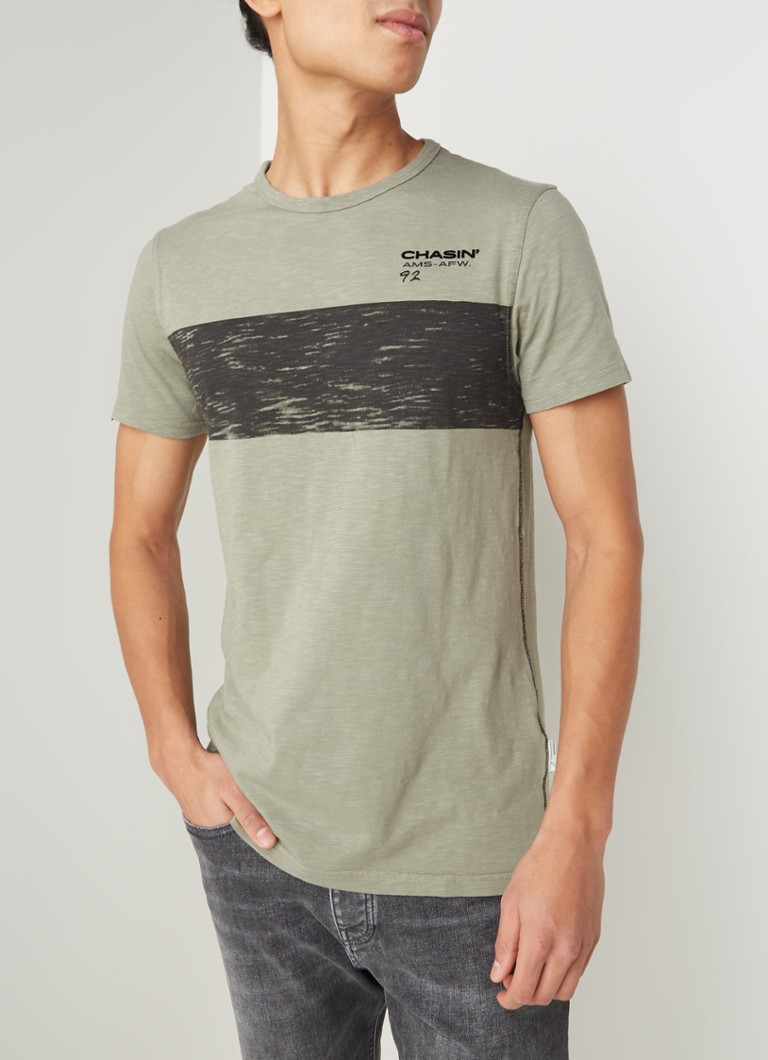 CHASIN' - JEREMY slim fit T-shirt met logoprint - Olijfgroen