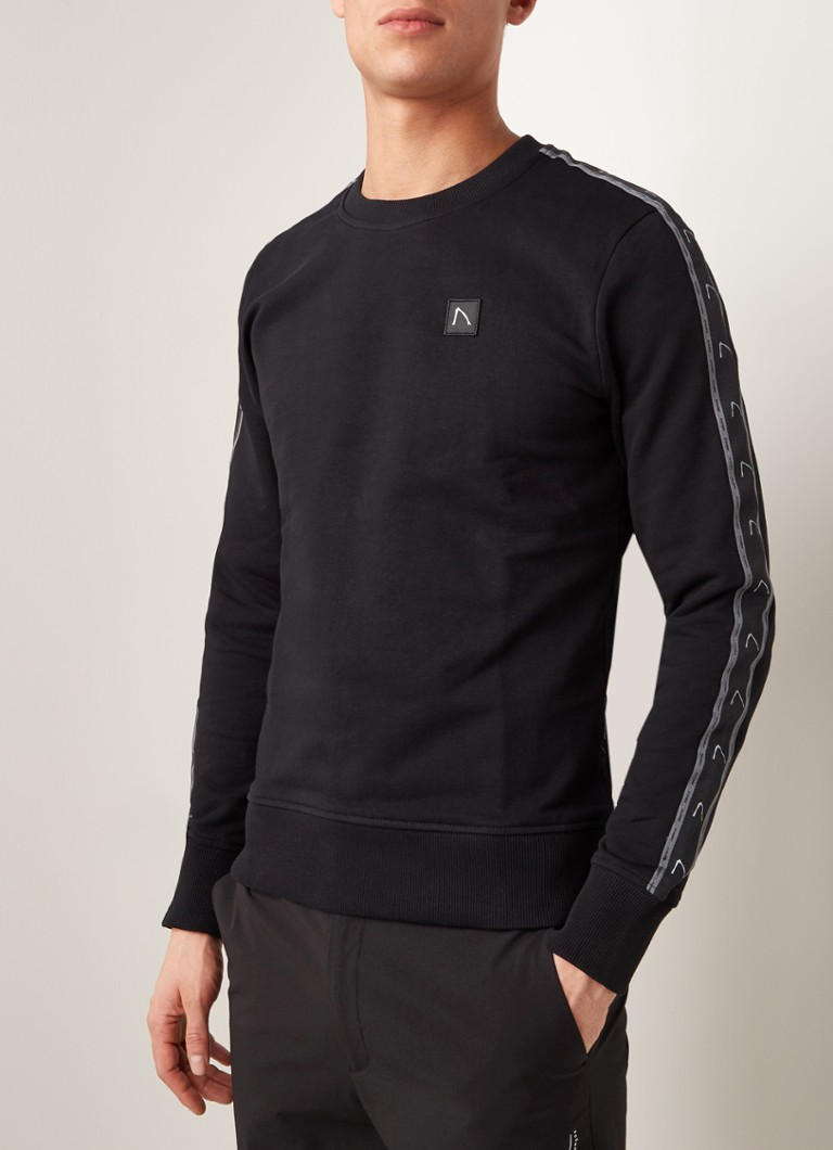 CHASIN' - Low Sport sweater met logotape - Zwart