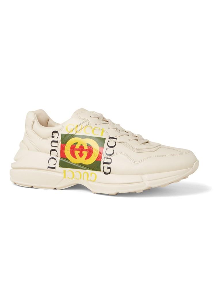 d6c42fe5194 Gucci Rhyton sneaker van leer met logoprint • de Bijenkorf