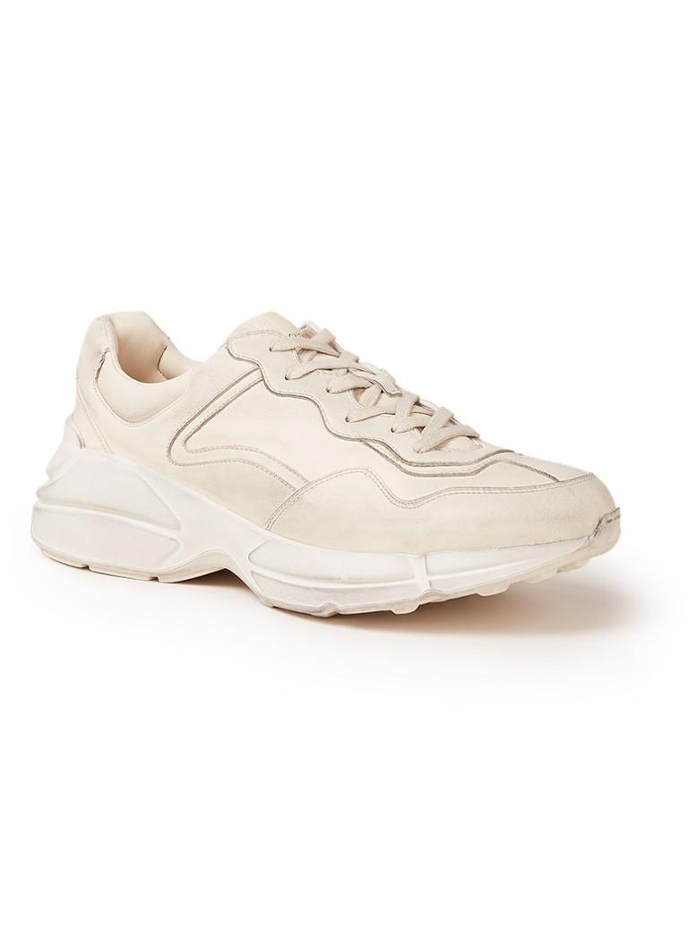 8f8547f7c8e Gucci Rhyton sneaker van leer met vintage look • de Bijenkorf