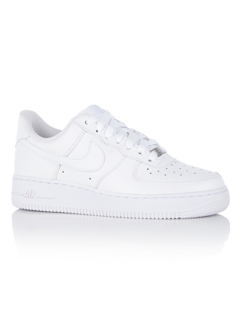 c36e55884b6 Nike Air Force 1 '07 sneaker van leer • de Bijenkorf