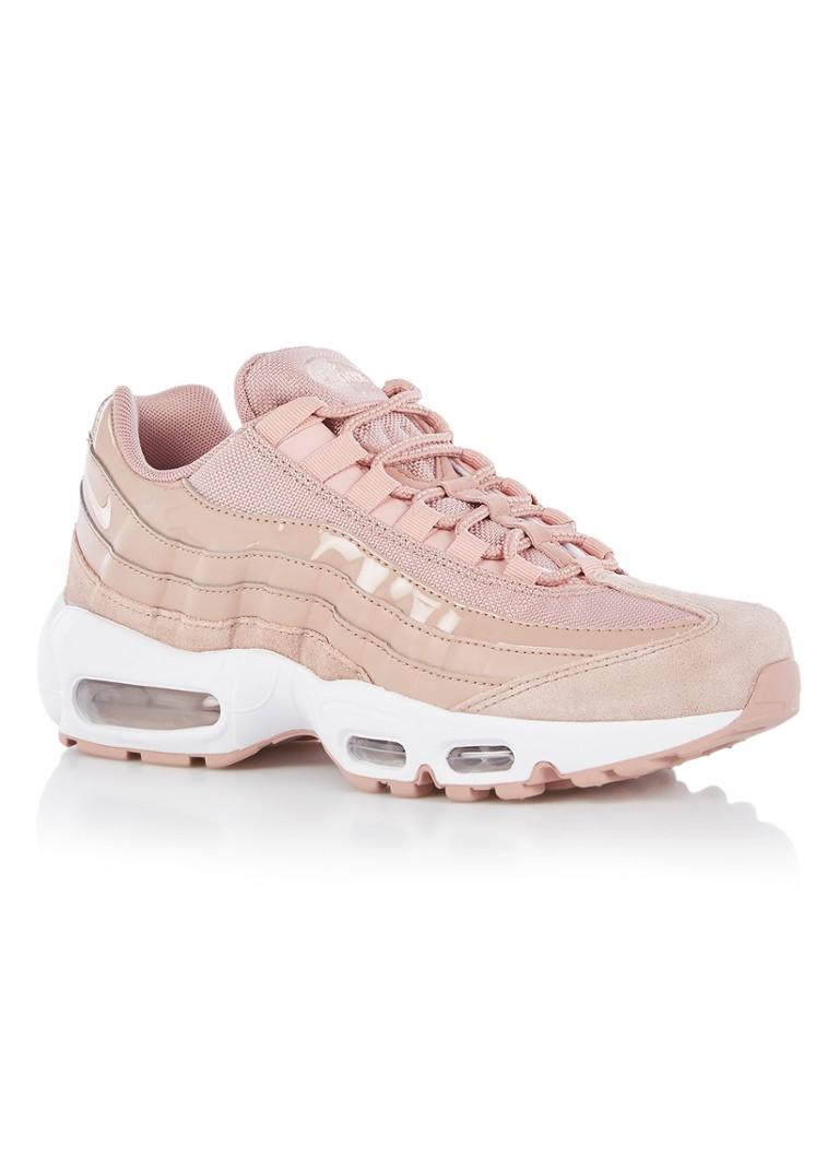 Nike Je Shoes