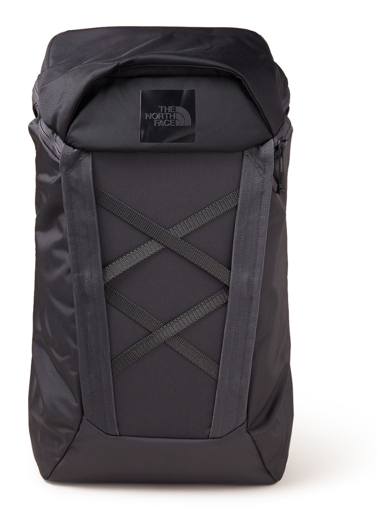 The North Face - Instigator 28 rugzak met 15 inch laptopvak - Zwart